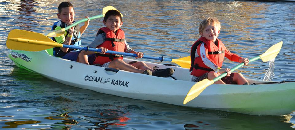 picture of kids kayaking